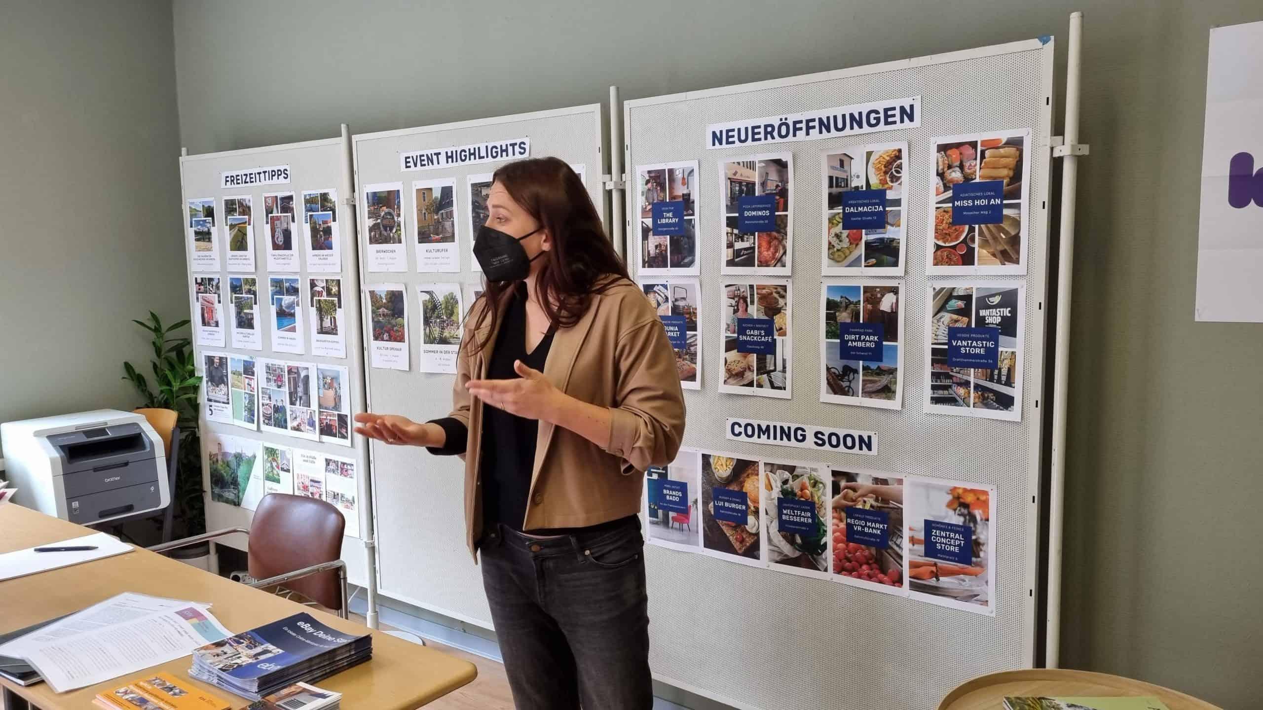 Verena Fitzgerald (Amberg Blog) im neuen Stadtlabor.