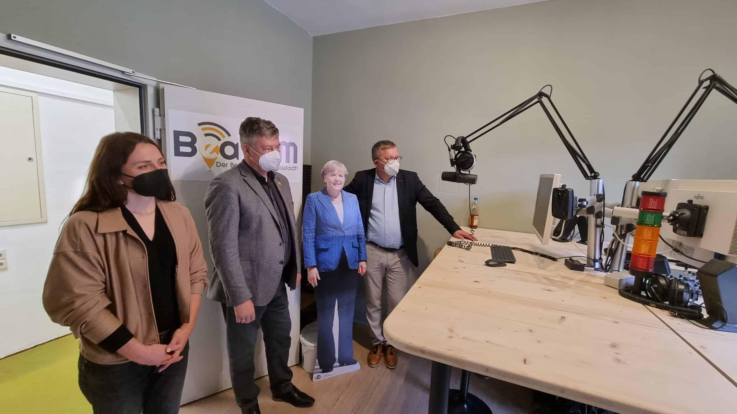 Verena Fitzgerald (Amberg Blog), Karlheinz Brandelik (Wirtschaftsförderung Gewerbebau Amberg) und Oberbürgermeister Michael Cerny.